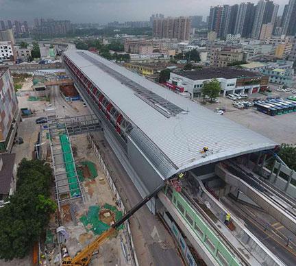 大型钢结构的滑移安装施工技术